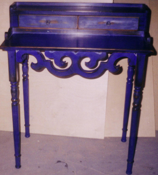 Royal Furniture Refinishing -- Toronto -- Repairs, restorations and refinishing services - Milk paint